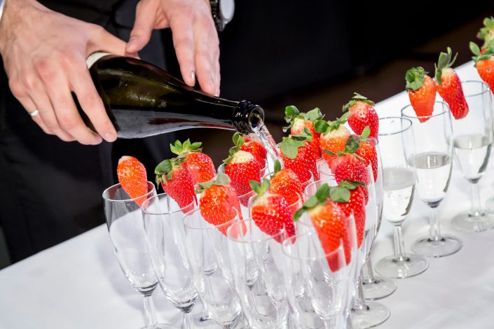 Birthday Party Celebration National History Museum - drinks champagne pouring – Belle Imaging Event Photographer London